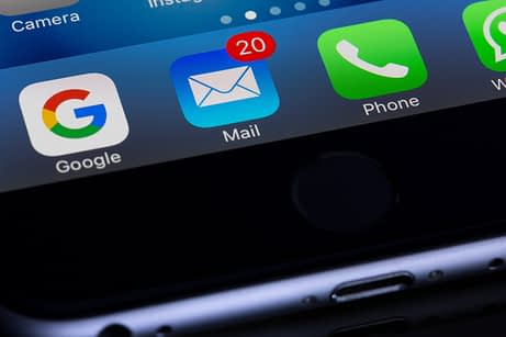 An image showing a mail app icon with a number next to it showing mail has been received.